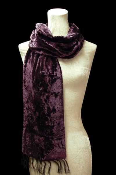 Furrowed velvet scarves with fringes
