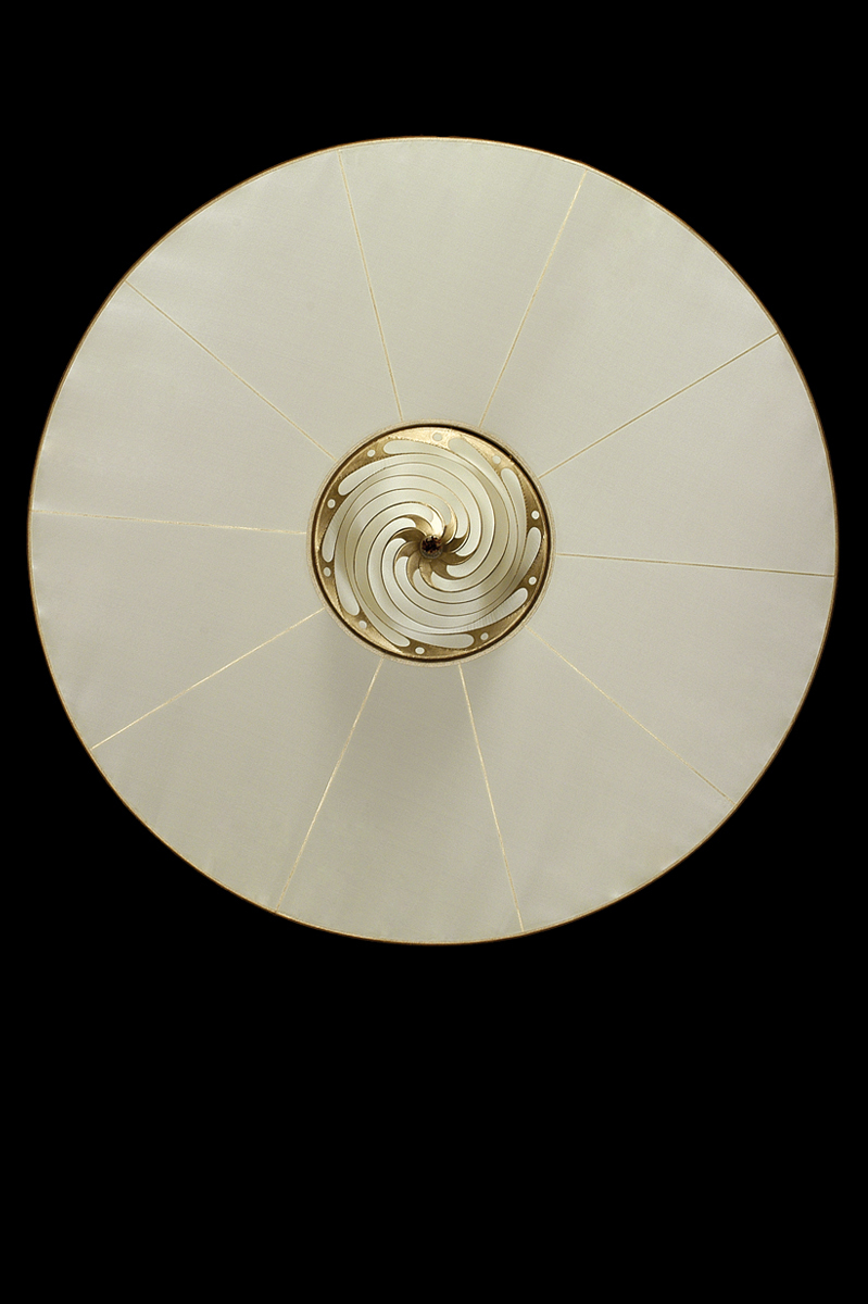 Fortuny Samarkanda plain silk lamp with disc bottom view