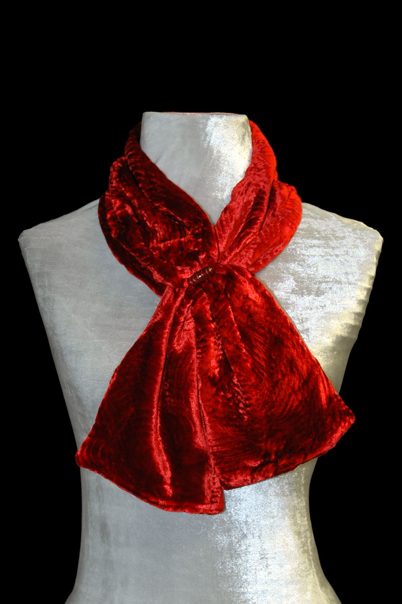 Fortuny red furrowed velvet scarf with Murano glass bead