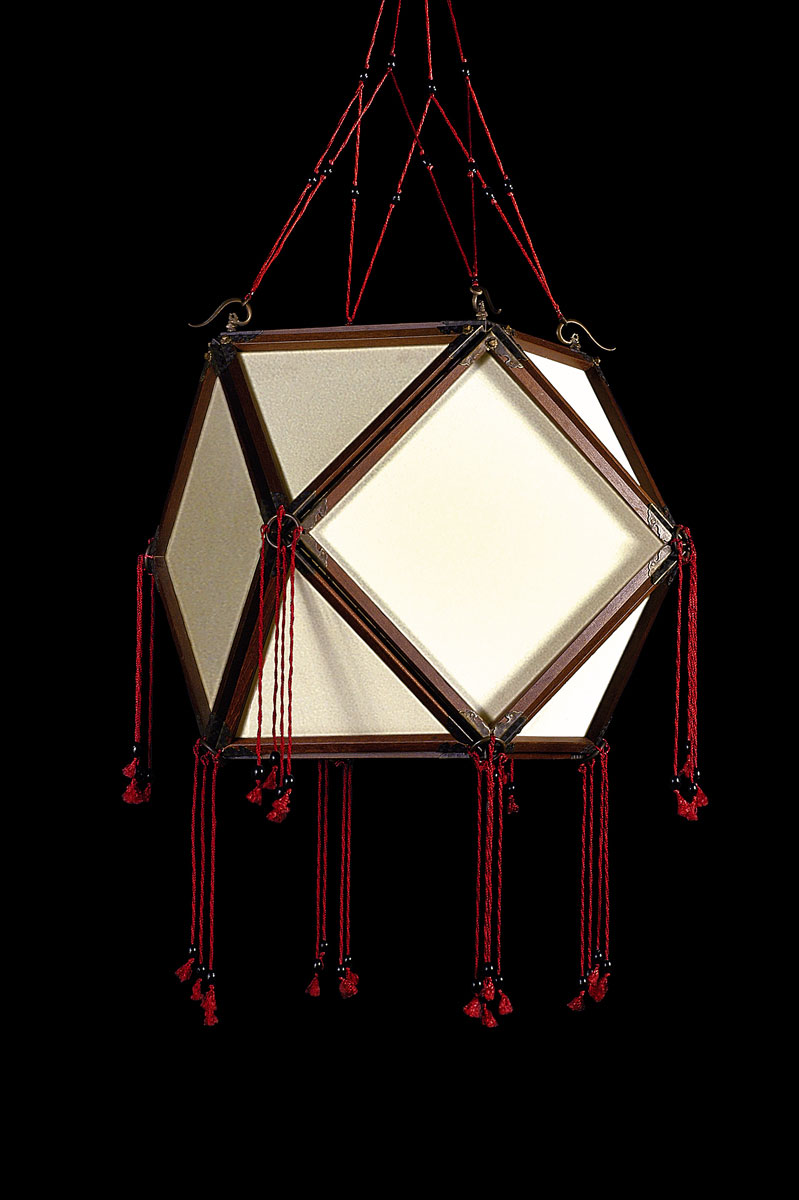 Fortuny Concubine Tempio plain silk lamp with wooden structure