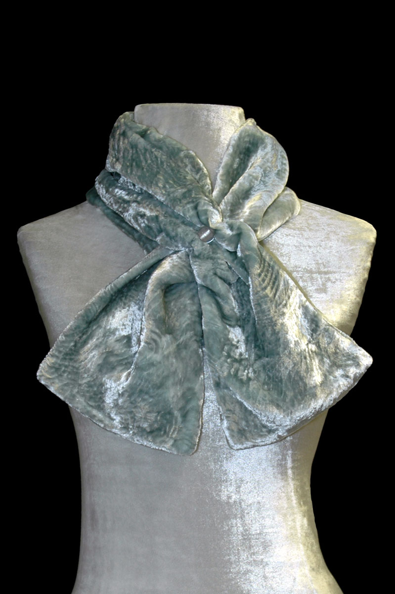Fortuny opal green furrowed velvet scarf with Murano glass bead