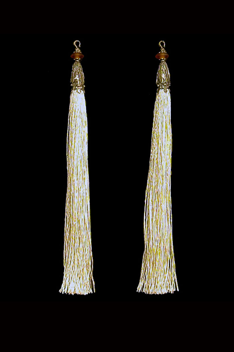 Venetia Studium couple of vanilla hook tassels