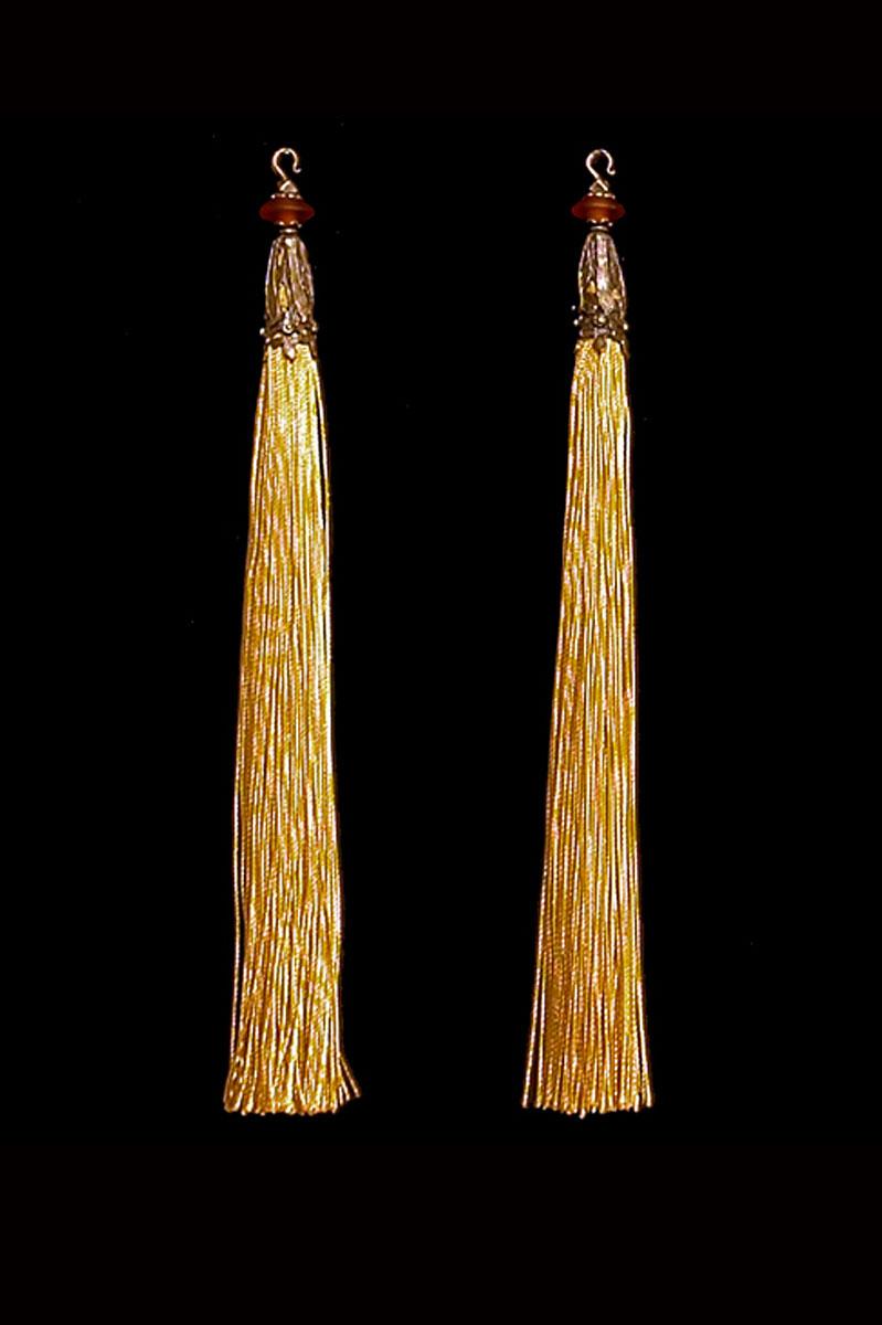 Venetia Studium couple of pale gold hook tassels