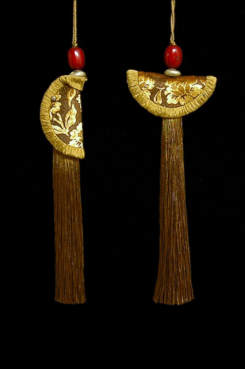 Venetia Studium couple of mustard Geisha & Samurai key tassels