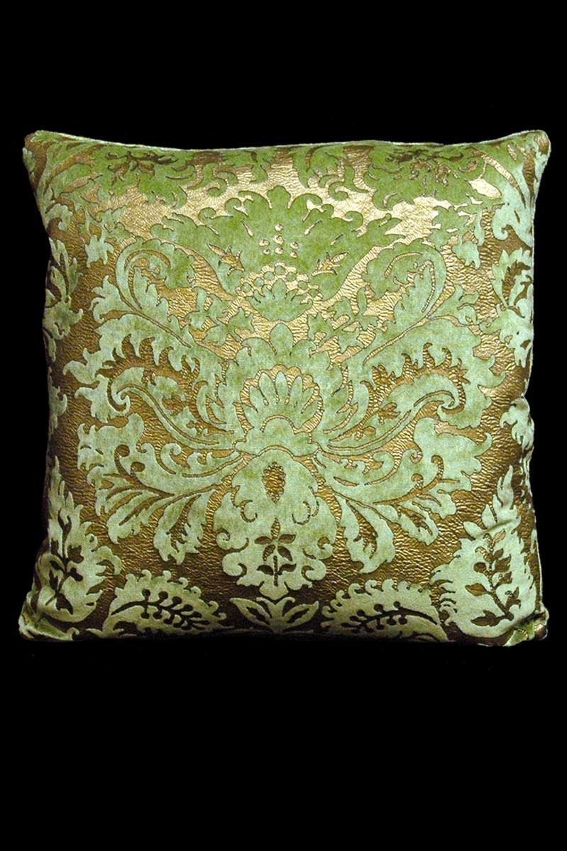 Venetia Studium Barbarigo light green square velvet cushion front
