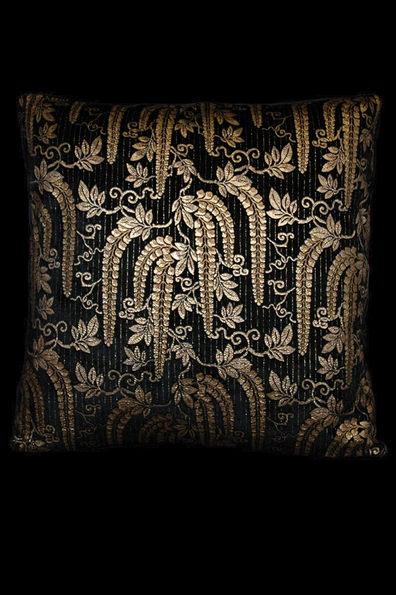 Venetia Studium Glicine black printed velvet cushion
