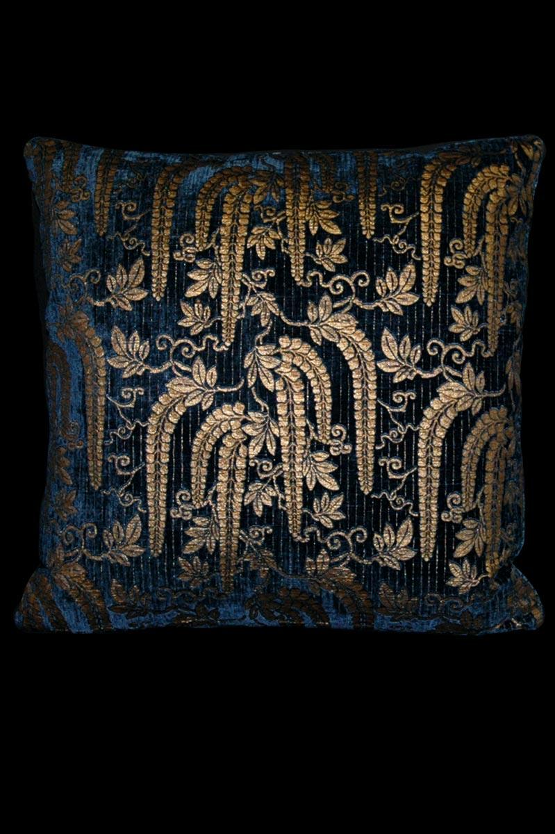 Venetia Studium Glicine blue printed velvet cushion