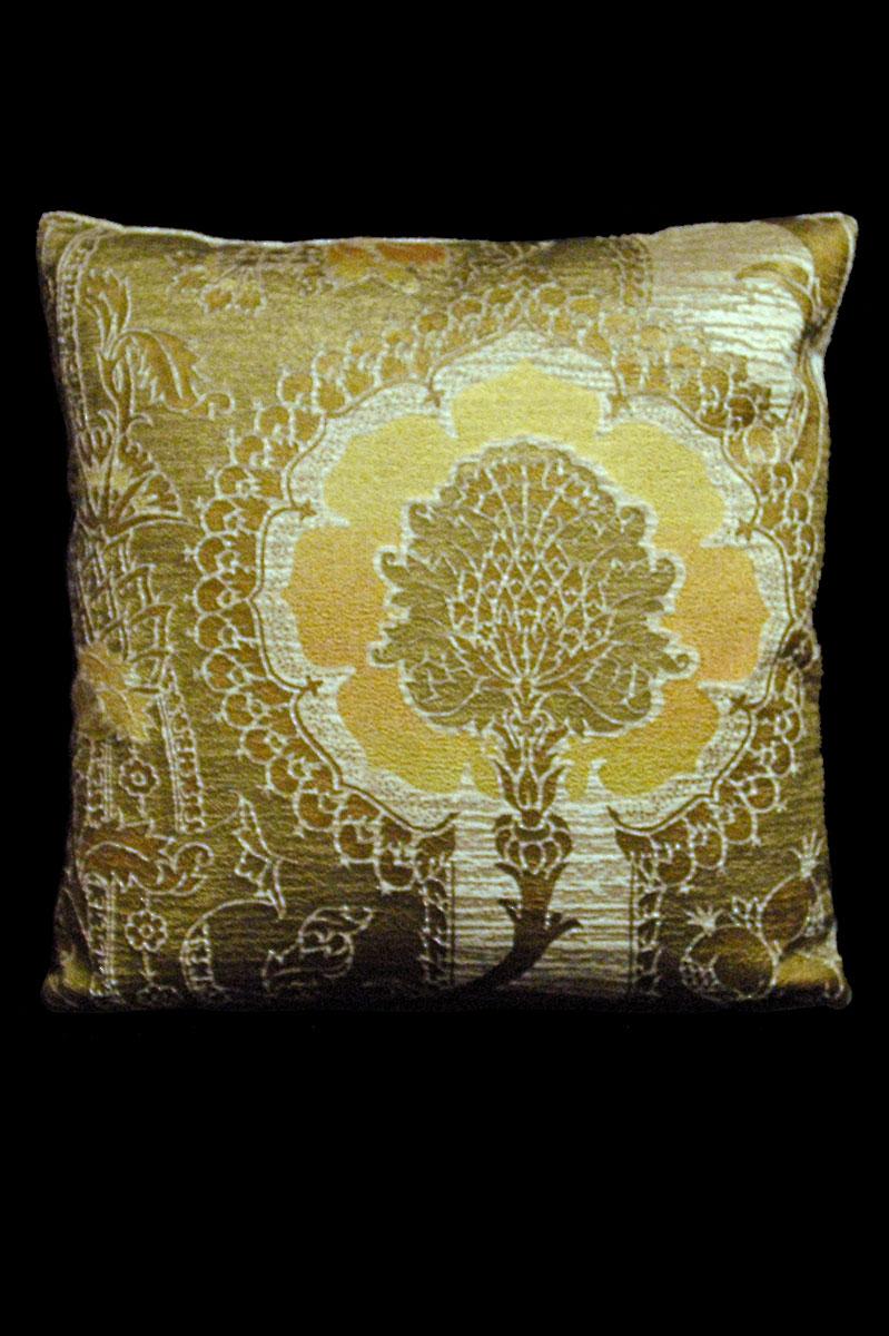 Venetia Studium San Gregorio beige-yellow printed velvet square cushion
