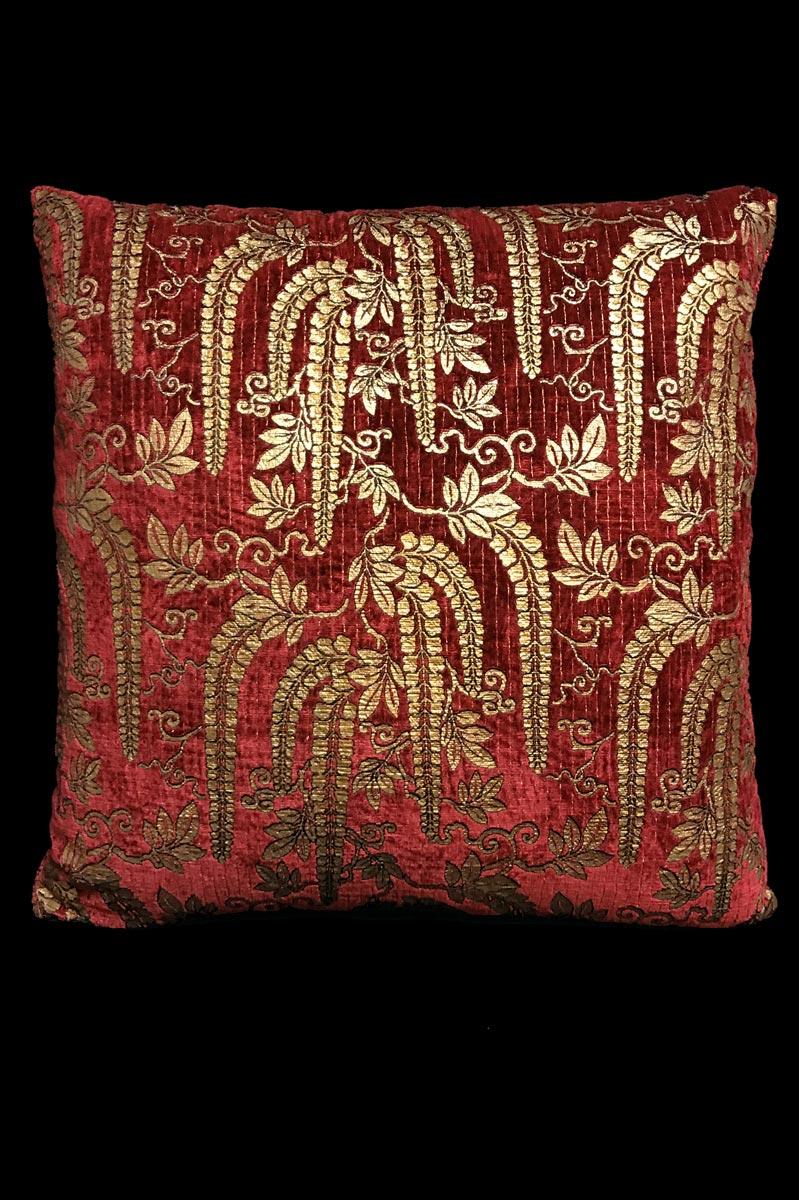 Venetia Studium Glicine dark red printed velvet cushion