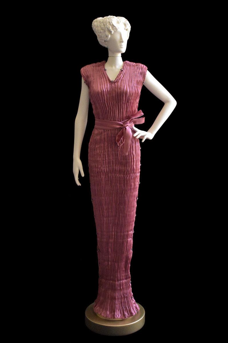 Diva Auriga bordeaux 36  collectible fashion doll miniature mannequin - Roman