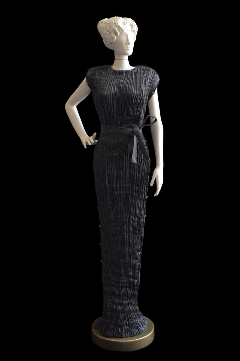 Diva Peggy charcoal grey collectible fashion doll miniature mannequin - Roman