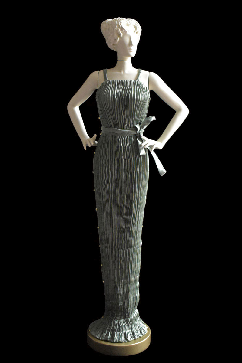 Diva Peggy sage grey collectible fashion doll miniature mannequin - Roman