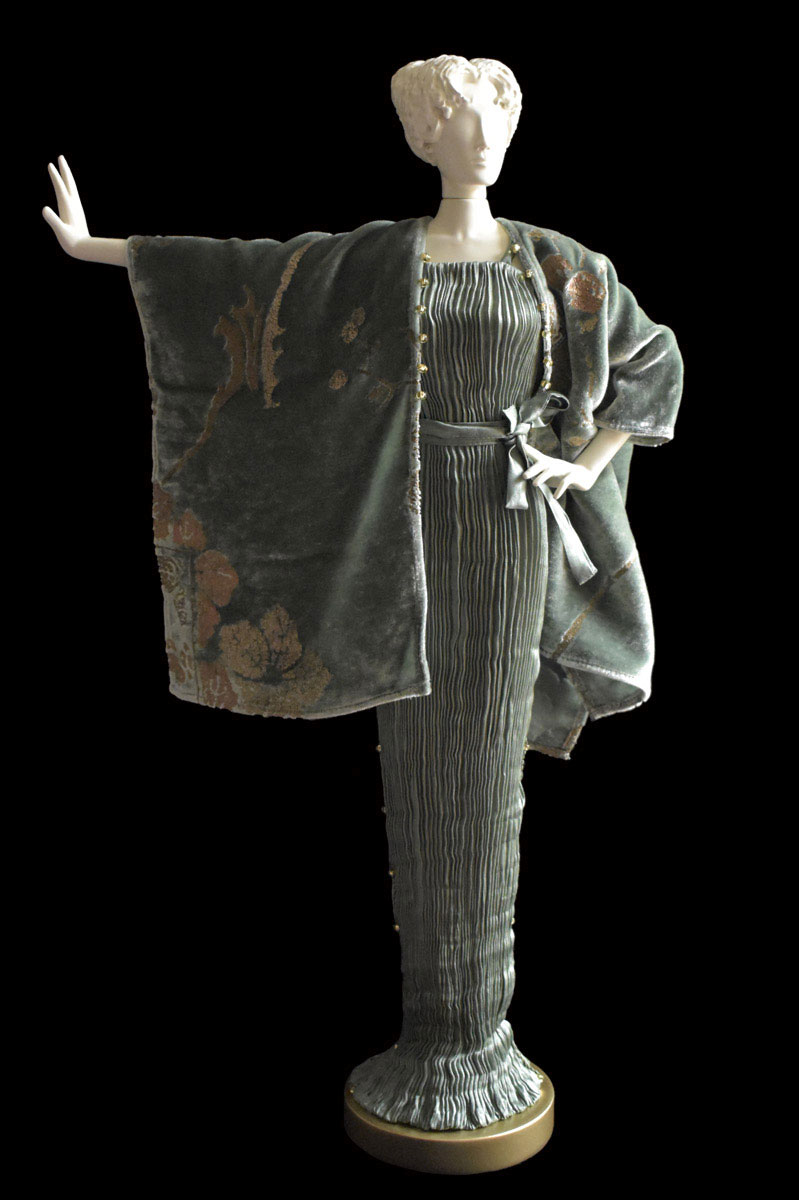 Diva Peggy sage grey collectible fashion doll miniature mannequin with jade evening coat - Roman