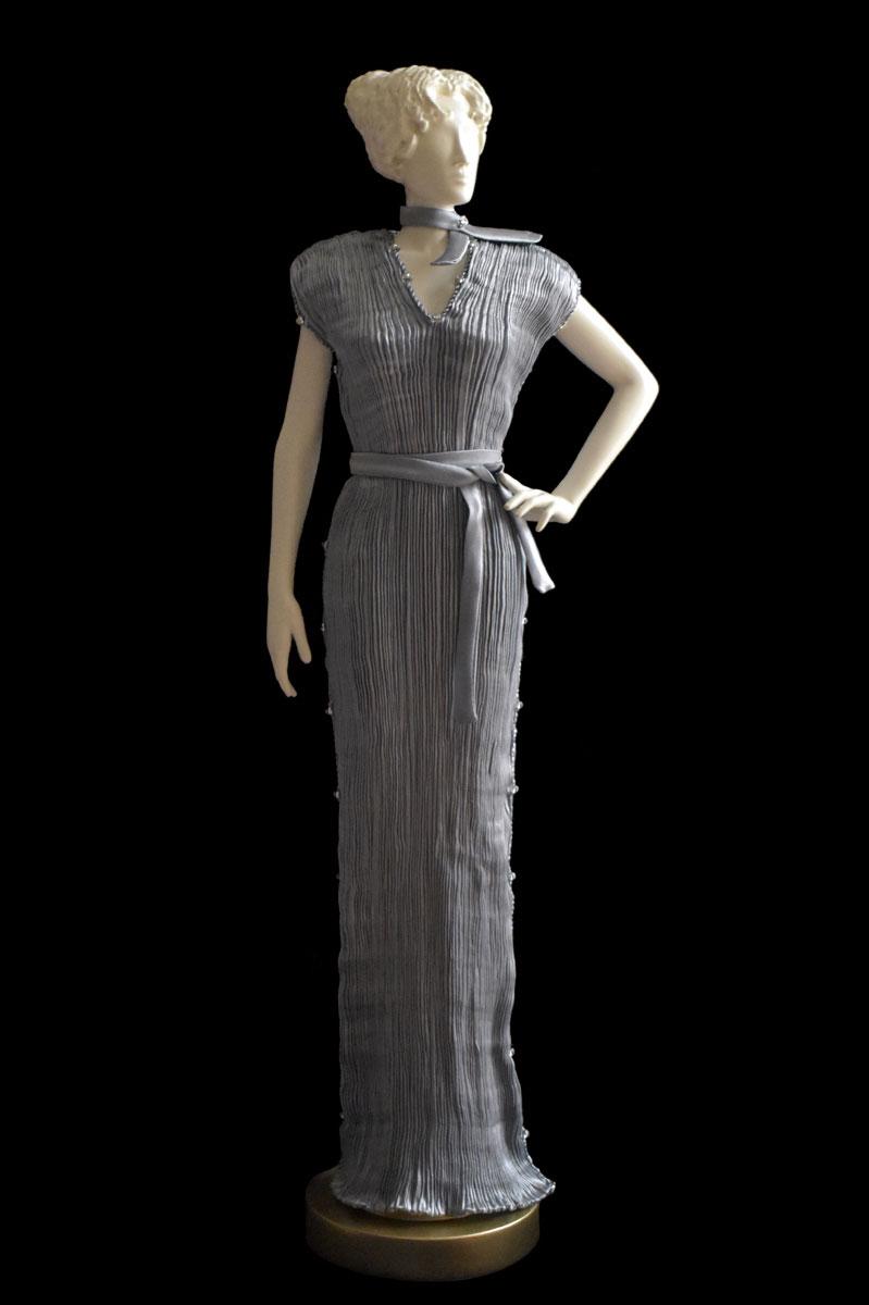 Diva Auriga pearl grey collectible fashion doll miniature mannequin - Roman