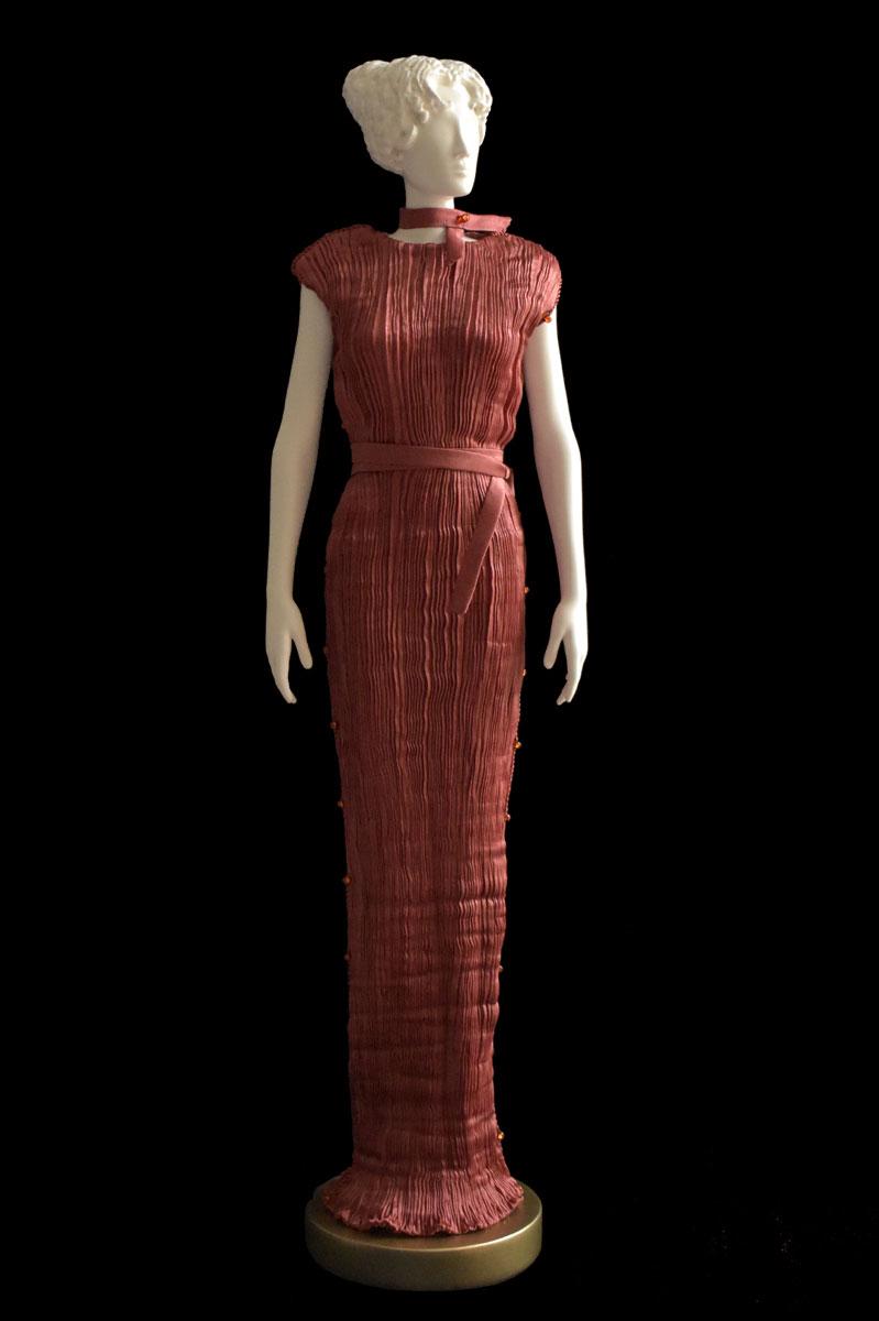 Diva Peggy rust collectible fashion doll miniature mannequin - Chignon